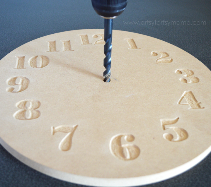 DIY Ombre Wood Clock made with Dremel Micro 8050 at artsyfartsymama.com #MyBrilliantIdea #CleverGirls