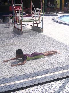 liburan ceria bersama anak di surya yudha water park
