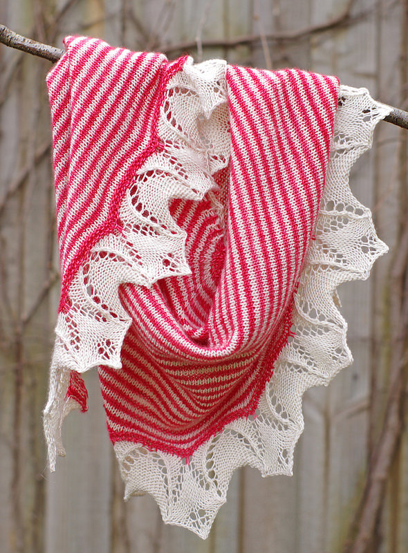 Vintage Bouquet Shawl | Red Pepper Quilts