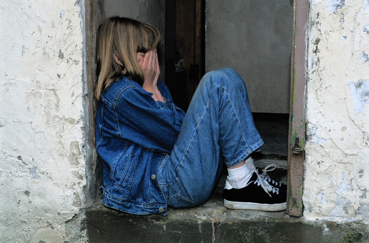 https://www.pexels.com/photo/girl-jeans-kid-loneliness-236215/