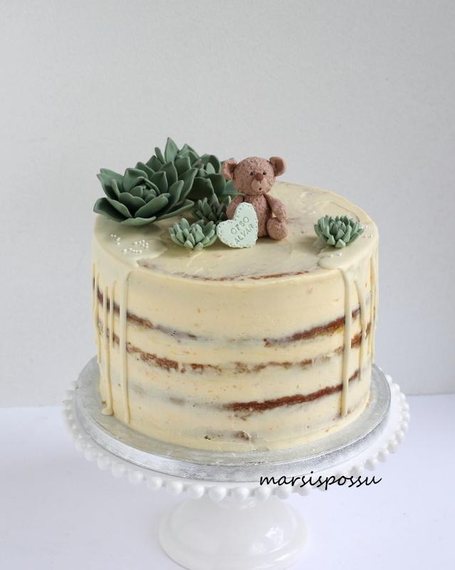 Kreemipintaisia kakkuja
