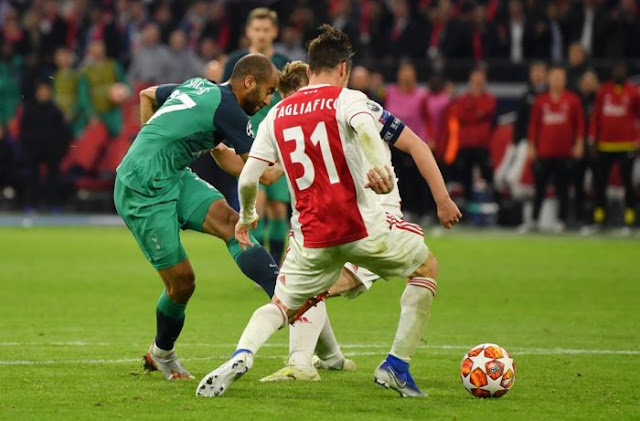 Tottenham knock out Ajax in Amsterdam with Moura's hat trick