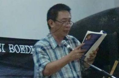 Puisi Seorang Lelaki yang Tidak Tidur