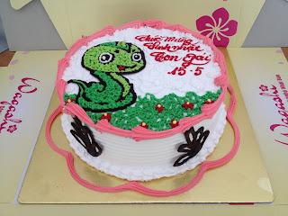 Bánh gato con rắn