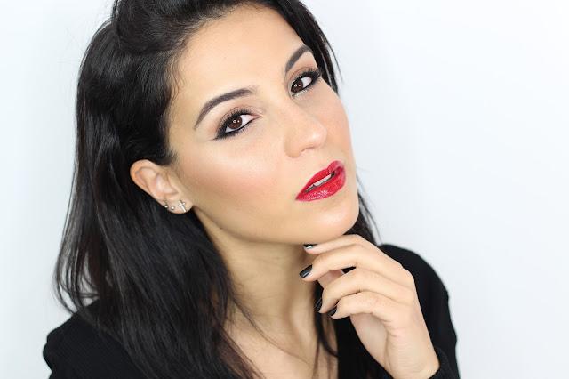 Maquillaje Clásico para fiestas con un toque de glitter
