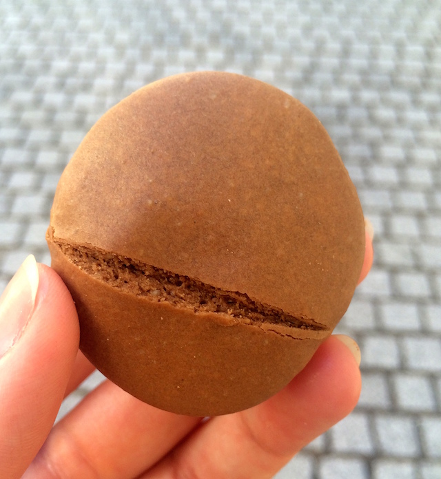 Mouchou, the macaron from the French Pays Basques