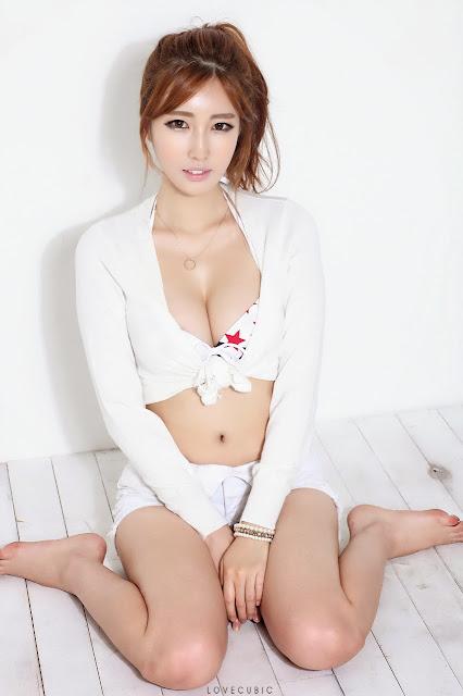 Asian woman woman westling woman