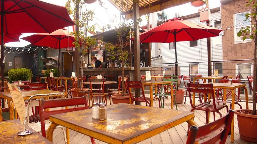 Outdoor Dining Williamsburg Juliette