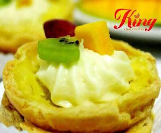 081210999347, Kue Sus Batam, Topping buah, Filling vanilla Cream, Rp.10.000box, Isi 10 pcs 01