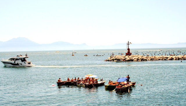 mare, barche, persone, cielo, bagnanti, ombrelloni, scogli