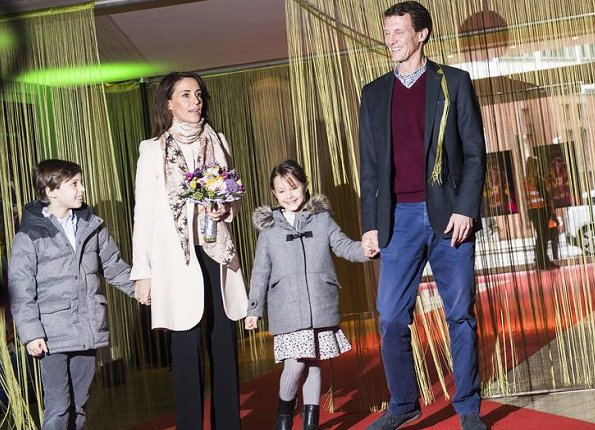 Princess Marie wore a new Goat fashion coat and a new Charlotte Sparre scarf! Princess Athena wore her Zara coat