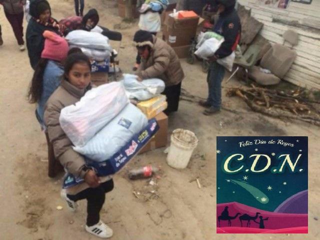 Otra Vez el CDN entrega regalos y rosca de reyes a familias en colonias humildes