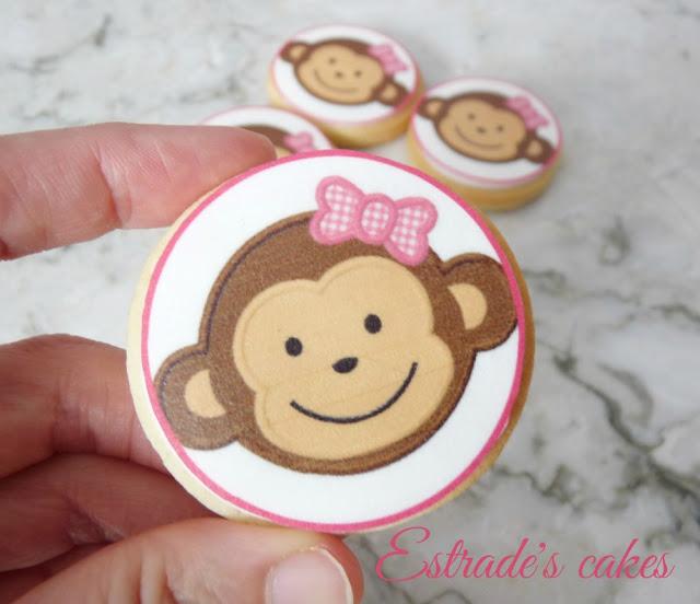galletas de monitas decoradas con papel comestible 2