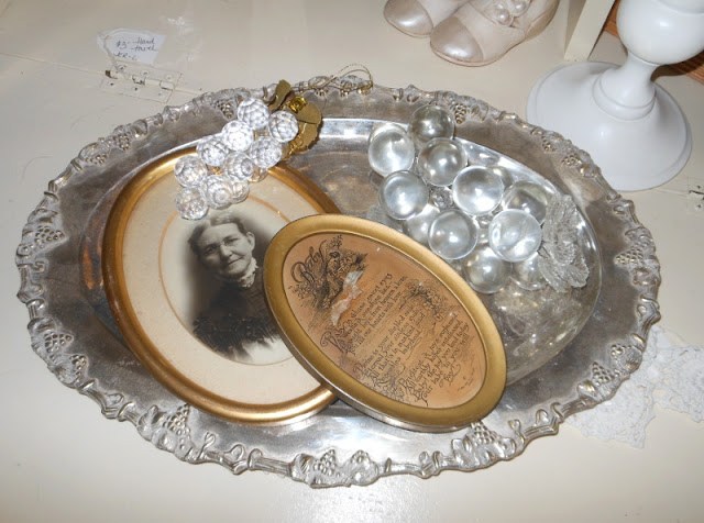 Gold Oval Frame Antique
