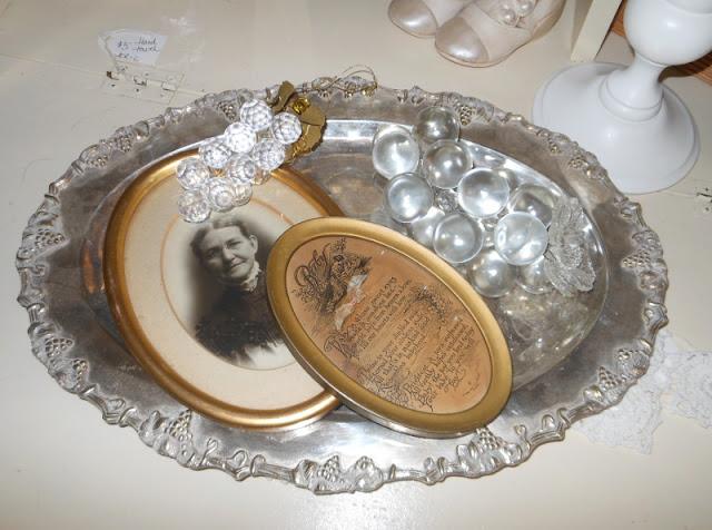 Gold Oval Frame Antique