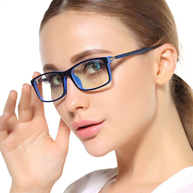 Right Eyeglass Frame For Your Face : August 2016 - Lauras Corner