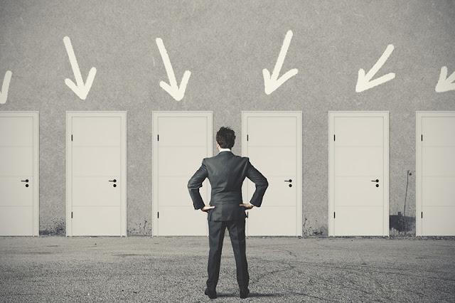من بينها الخوف من الفشل.. إليك معيقات اتخاذ القرار