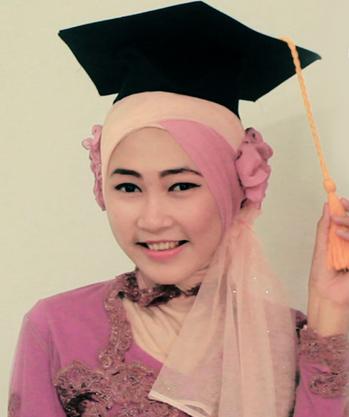 Kreasi Model Hijab Wisuda Terbaru 2015