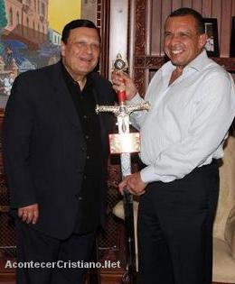 Alberto Mottesi y Porfirio Lobo Sosa.