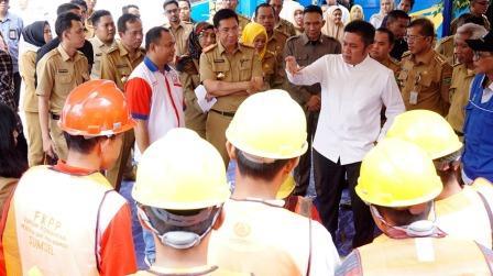 Herman Deru Targetkan Sektor Tenaga Kerja Informal Sumsel Dapat Bersaing Dipasaran ASEAN