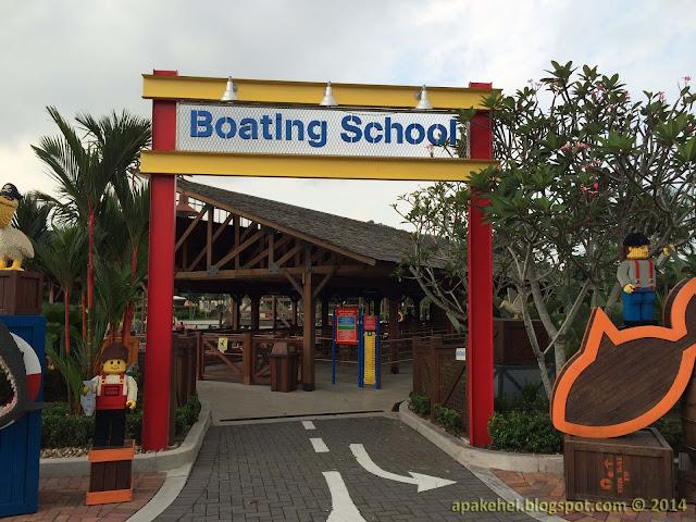 Legoland - Boating School
