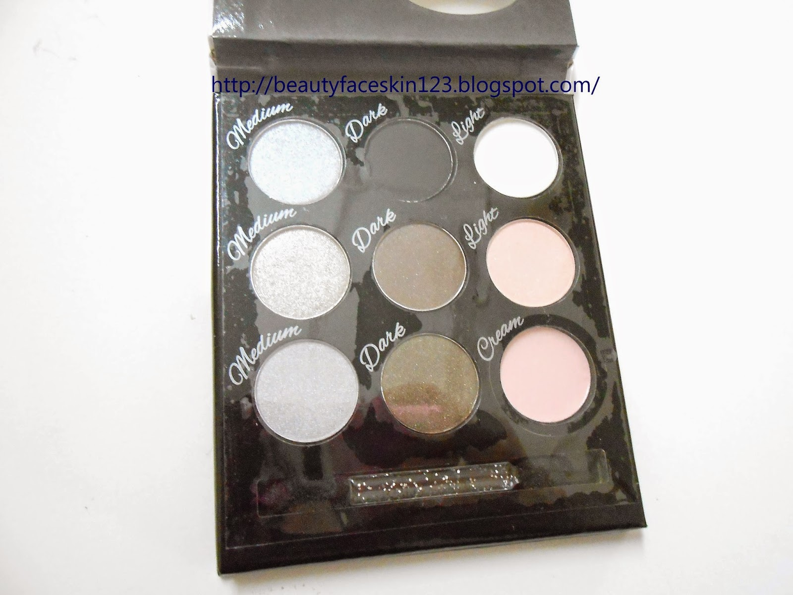 COLLECTION COSMETICS SMOKEY EYES PALETTE