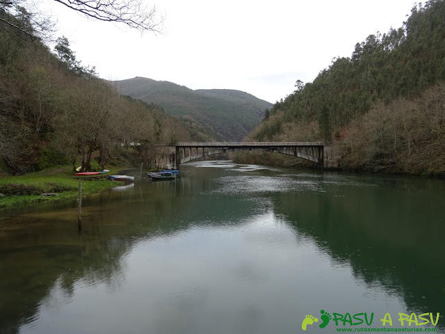 Puente de Castrillón desde el Área Recreativa de Castrillón