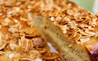 Easy Bienenstich Cake Recipe
