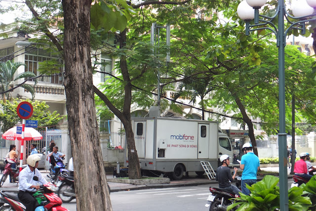 mobile-base-station-mobifone mobifoneの移動基地局