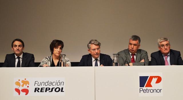 Petronor ha entregado hoy sus becas de FP para el curso 2016/2017