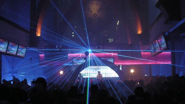 Musro Huge Club Diskotik Dan Club Malam