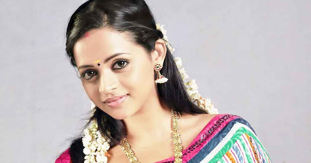 Tamil Actress Bhavana Photos: Hot Indian Actress Rare HQ Photos: Homely Malayalam