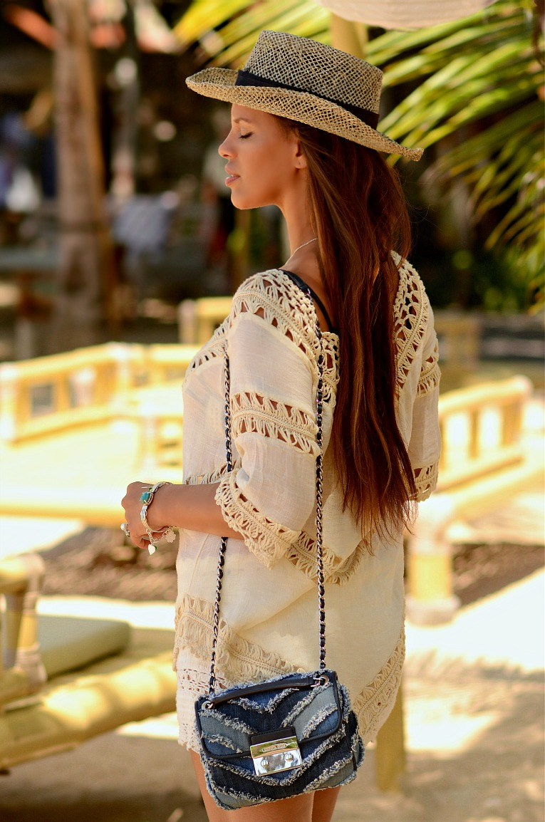 http://www.tcstyleclues.com/2016/07/crochet-summer-whites.html