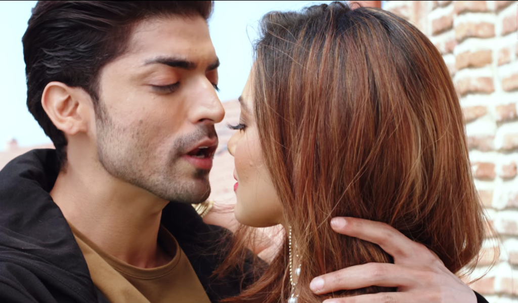 Gurmeet Chaudhary's passionate scenes with Sana Khan in the