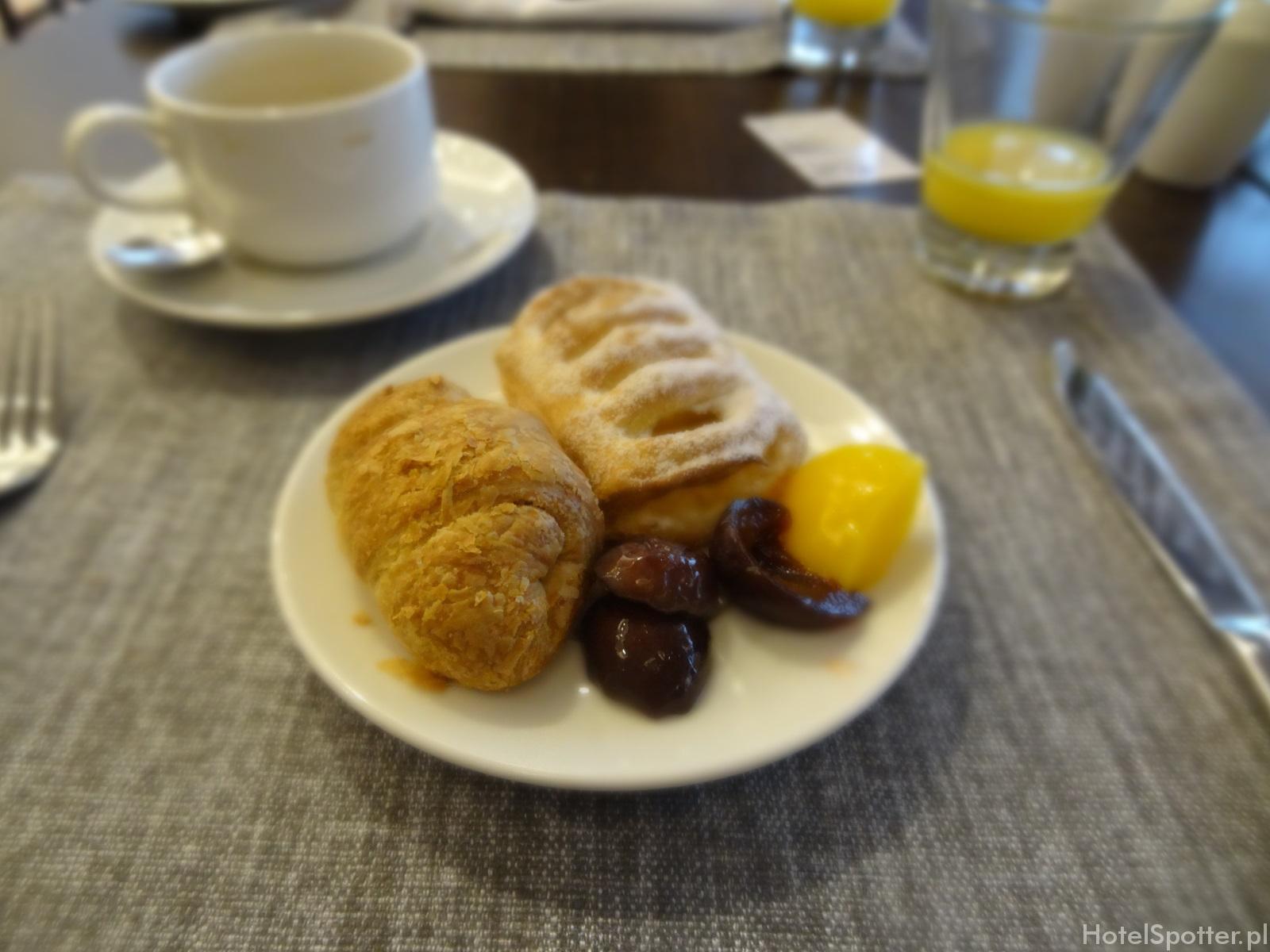 DoubleTree by Hilton Warsaw - slodkosci na sniadanie