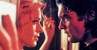 13 Ακαταμάχητα Γυναικεία Χαρακτηριστικά στα οποία ΚΑΝΕΝΑΣ άντρας ΔΕΝ μπορεί να Αντισταθεί. Εσύ τα έχεις;