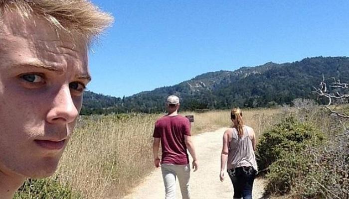Ngenes! Pria Ini Selalu Selfie Saat Menjadi Obat Nyamuk Orang Pacaran