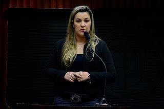 Assembleia aprova projeto de Camila que prevê embalagens a vácuo em carnes e peixes