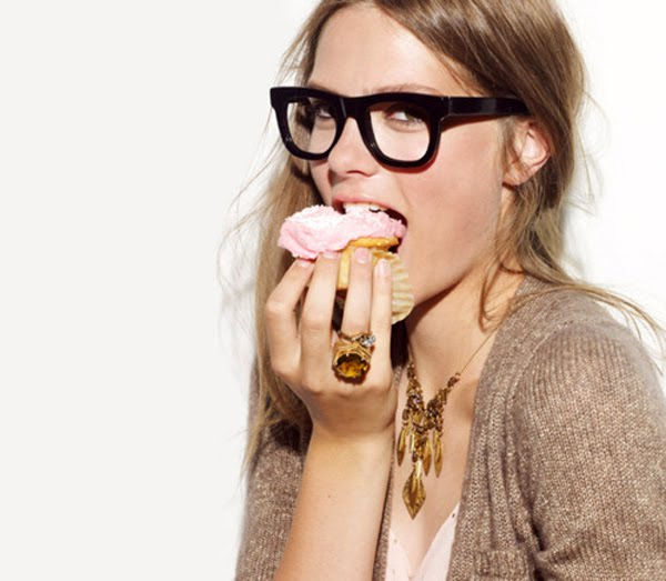 dc0e08be7c7 Geek style chunky black frames - seeing more and more of this trend  nowadays