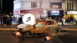 how the london riots showed us two sides of social networking