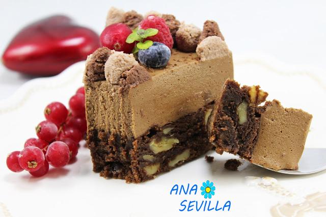 Tarta mousse de chocolate con brownie Thermomix corte