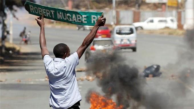 Zimbabwe police tear gas anti-Mugabe protesters
