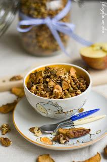 (granola jablkowo-cynamonowa