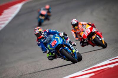Dengan Motor Lorenzo, Vinales Sanggup Kalahkan Marquez