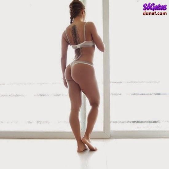 Sandrinha Prikker de lingerie branca