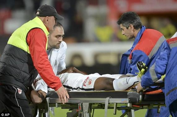 Patrick Ekeng being take away to the hospital after he collapsed during a match,he died later in hospital