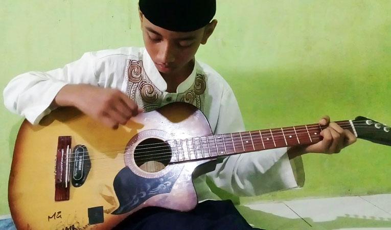 Kang Aje Mandek Gitaran