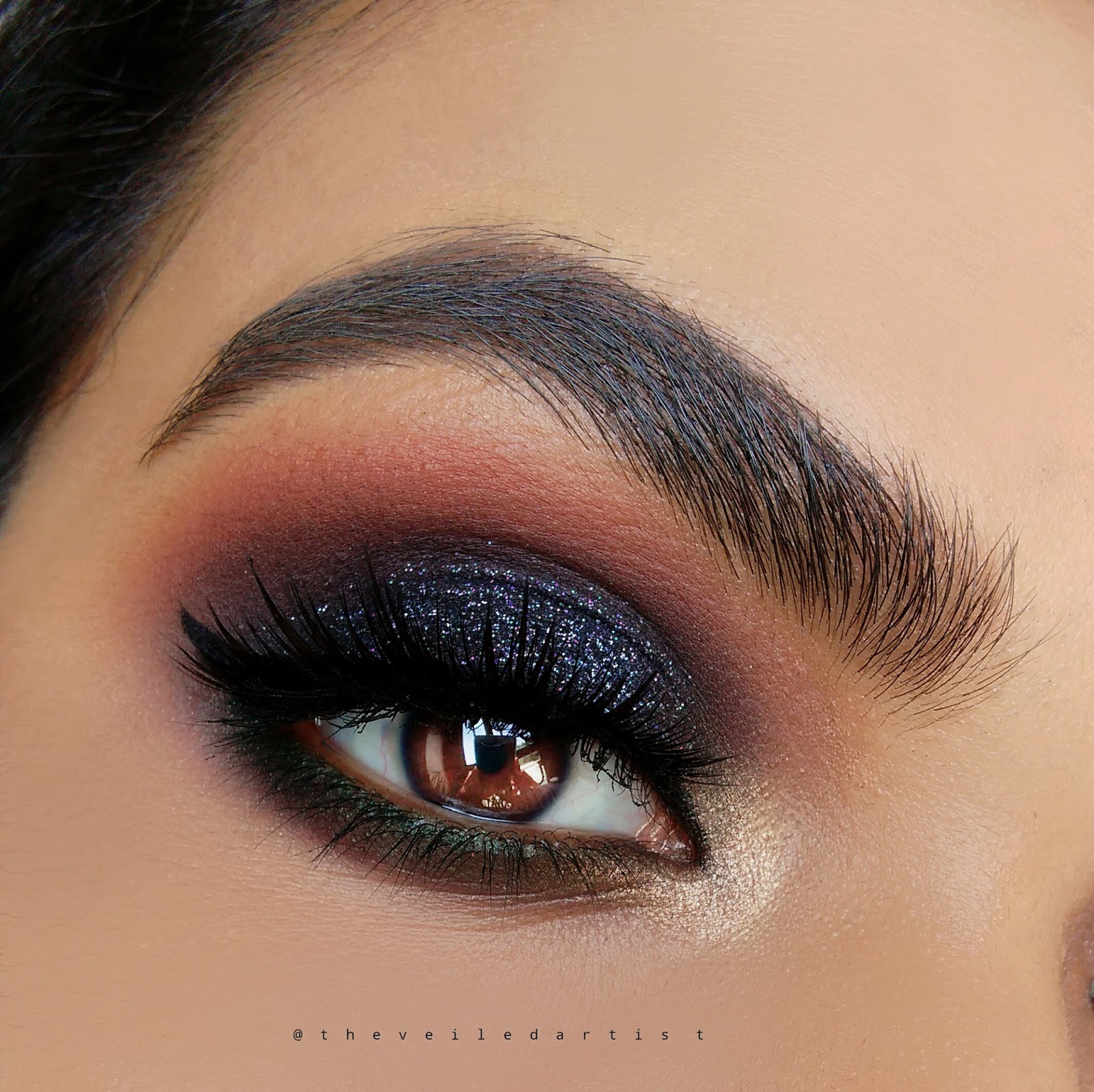 New Years Eve Makeup Lookblack And Gold Glitter Smokey Eyes A