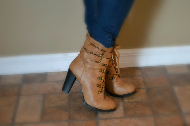 Women's Boots with Zipper and Chunky Heel