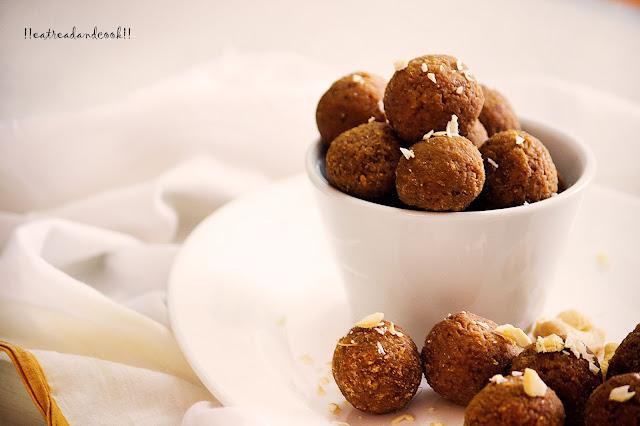 how to make Gur Diye Narkel Naru / Bengali Coconut Laddu with Jaggery recipe and preparation